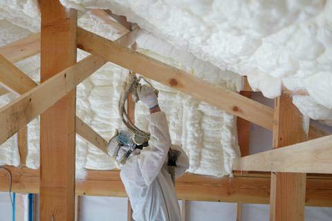 屋根の断熱 アイシネン